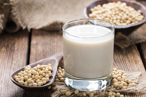 Uống sữa đậu nành có tác dụng giảm béo không? - Ảnh 1.