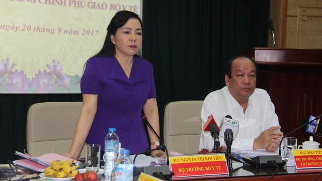 Bộ trưởng Bộ Y tế kêu gọi bảo vệ các thầy thuốc - Ảnh 1.