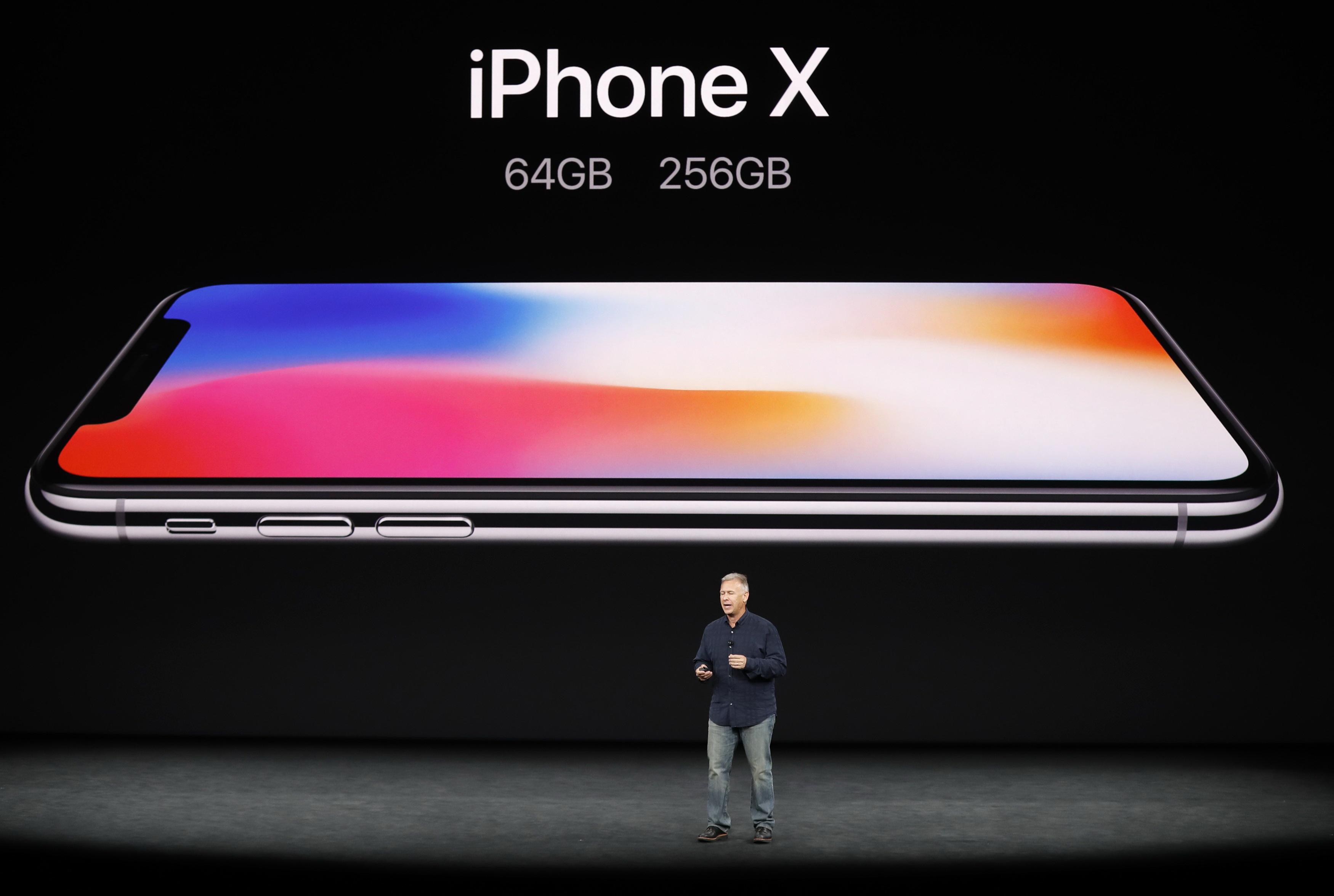 Người dùng cho rằng iPhone X quá đắt đỏ - Ảnh 2.