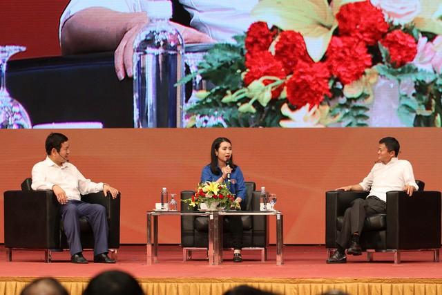 Một người lạy Jack Ma, đừng chê thanh niên Việt liếm giày tỉ phú - Ảnh 1.