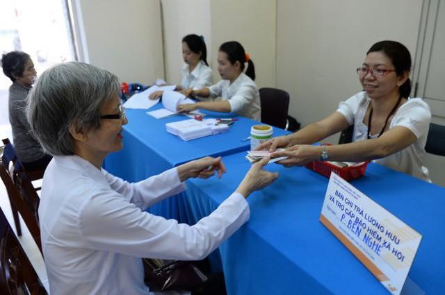 1-1-2018 áp dụng lương hưu mới, lao động nữ thiệt thòi - Ảnh 1.