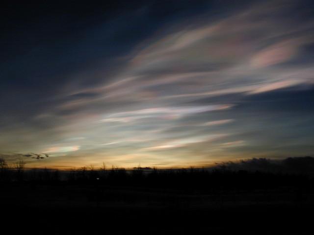 Vì sao lỗ hổng tầng ozone tập trung ở Nam Cực? - Ảnh 3.