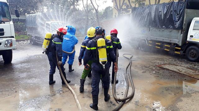 Rò rỉ khí NH3, 4 người ngất xỉu, sơ tán hơn 1.200 dân - Ảnh 7.