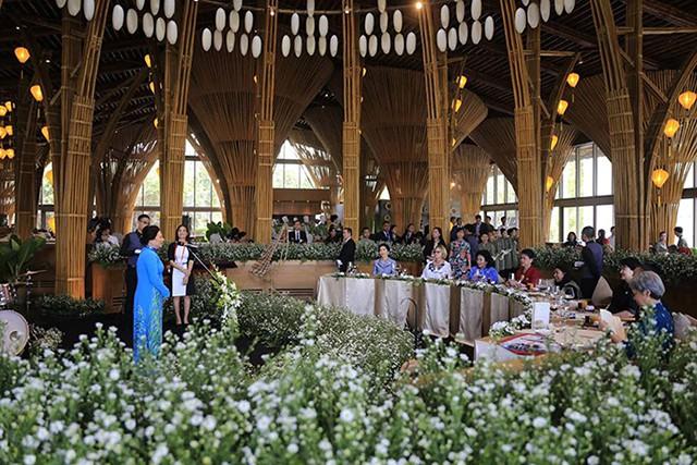 Các đệ nhất phu nhân tham dự APEC hội tụ tại Naman Retreat - Ảnh 3.