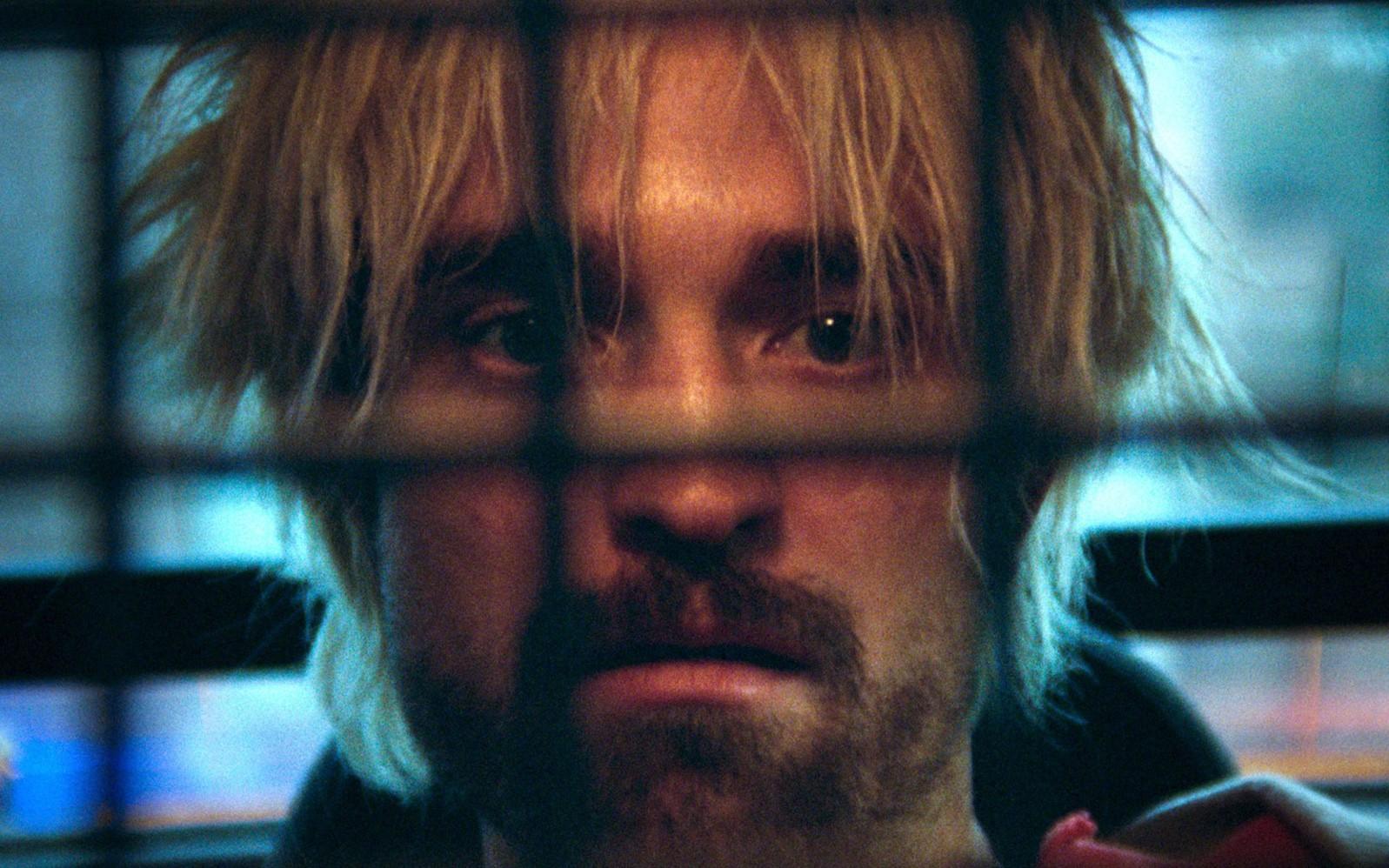 Tài tử 'Chạng vạng' xuất sắc lột xác trong 'Good Time'