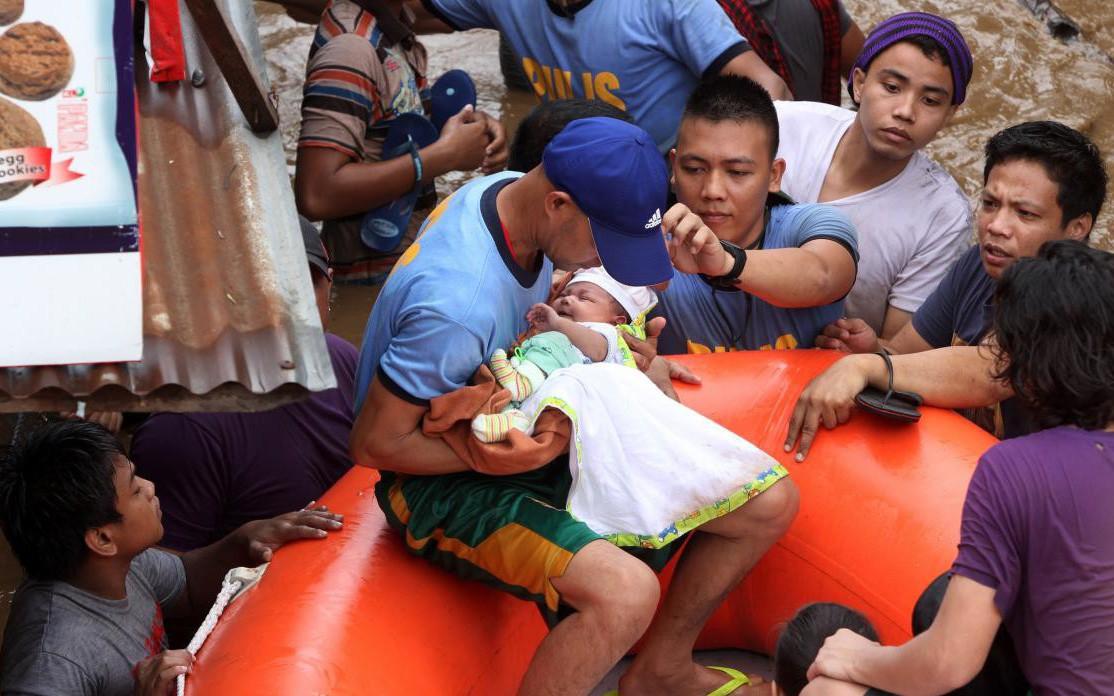Thế giới trong tuần qua ảnh: bão Tembin tàn phá Philippines