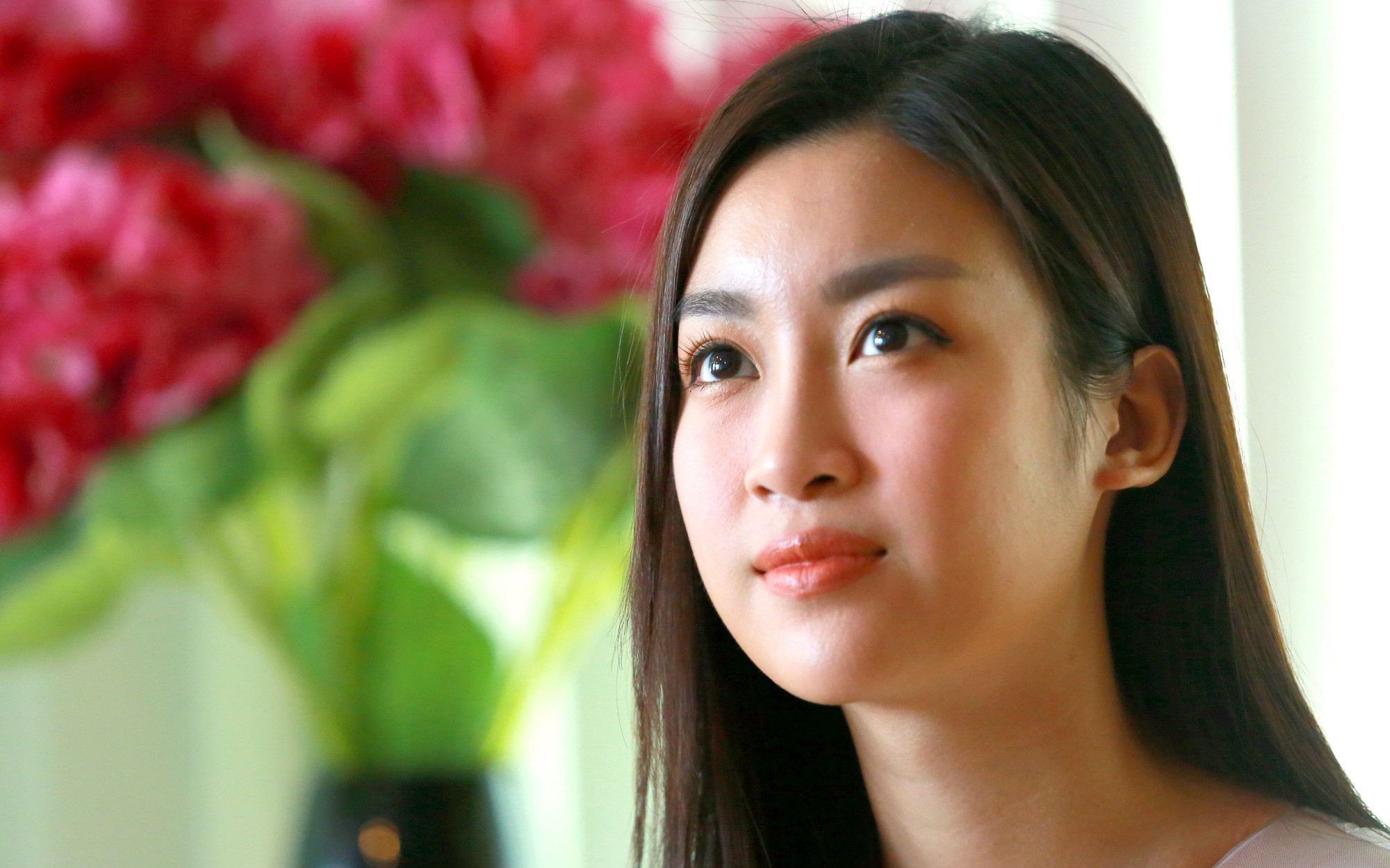 Hoa hậu Việt Nam sẽ tiếp tục cõng điện lên bản