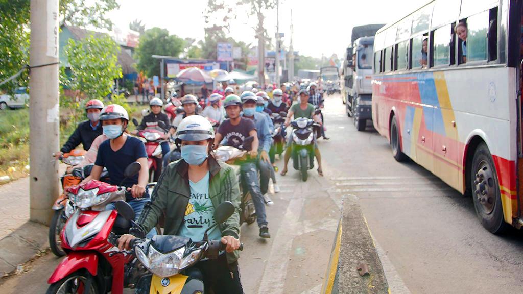 Trạm phí tuyến tránh Biên Hòa xả trạm do đoàn xe trả tiền lẻ - Ảnh 5.