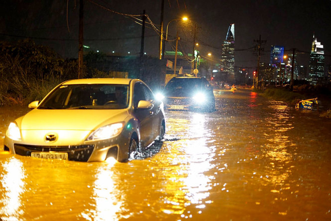 6 điều quan trọng cần làm khi xe bị ngập nước - Ảnh 1.