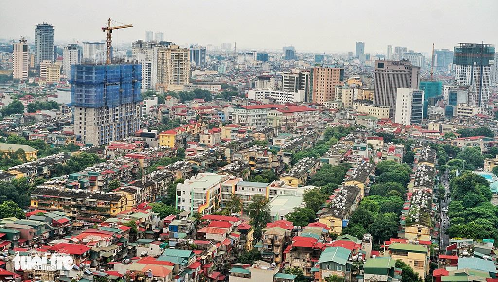 Hà Nội đề xuất cưỡng chế phá dỡ chung cư cũ - Ảnh 1.