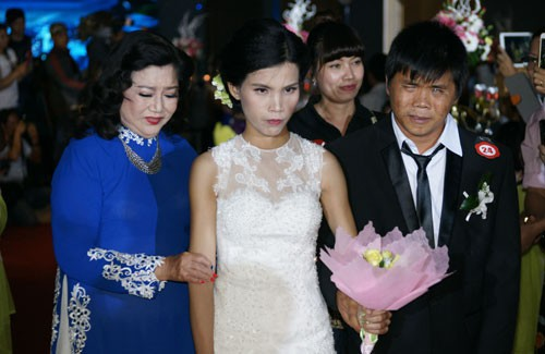 NSND Kim Cương tổ chức lễ se duyên cho 40 đôi vợ chồng khuyết tật - Ảnh 1.
