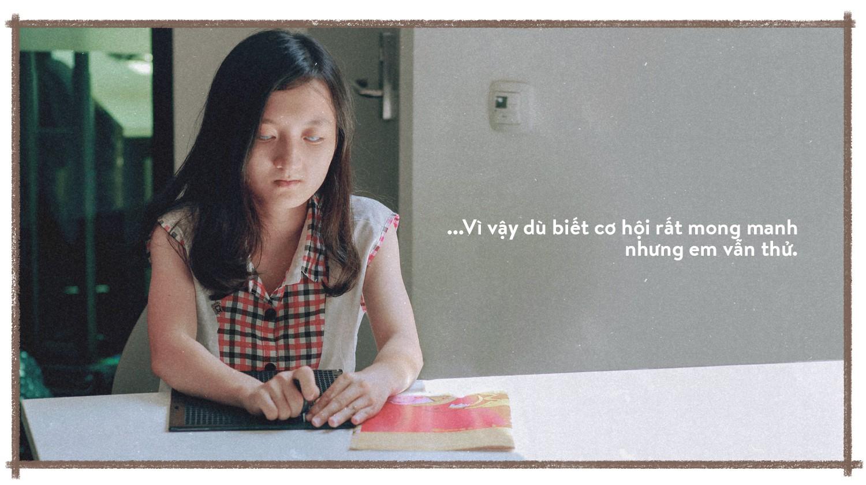 Nữ sinh khiếm thị giành học bổng 1 tỉ đồng - Ảnh 9.