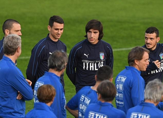 Pirlo 'mới' của bóng đá Ý lần đầu lên tuyển - Ảnh 2.
