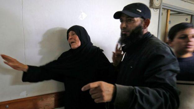 Bom đạn rực trời ở Dải Gaza giữa Israel và Palestine - Ảnh 2.