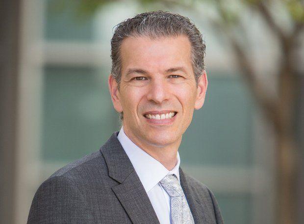 Google thuê CEO của Geisinger để phát triển lĩnh vực chăm sóc sức khỏe - Ảnh 1.
