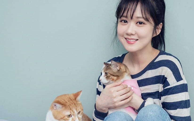 Jang Na Ra đẹp như gái 20 vào vai hoàng hậu