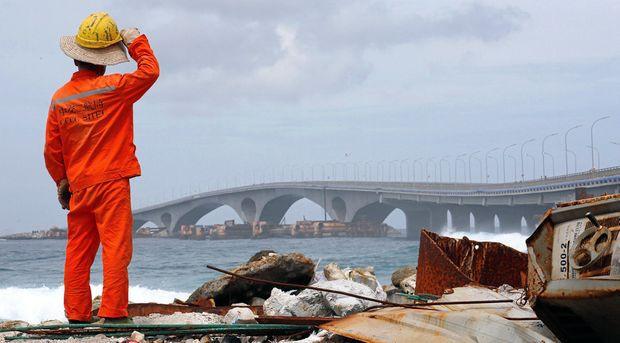Mỗi người dân Maldives gánh 8.000 đô tiền nợ Trung Quốc? - Ảnh 1.