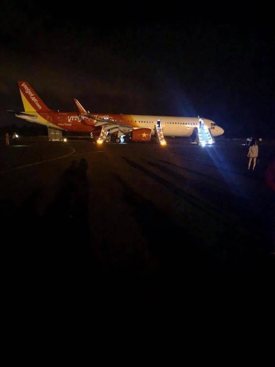 Máy bay Vietjet gặp sự cố, ít nhất 6 người nhập viện - Ảnh 1.