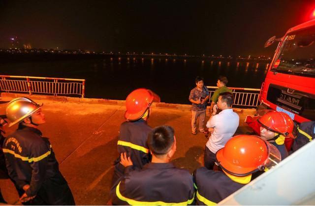 Đã xác định được chủ chiếc xe rơi xuống sông Hồng - Ảnh 1.