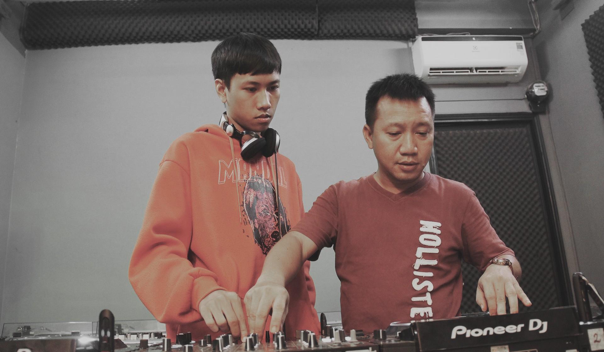 Hoaprox - người đưa nhạc điện tử Việt Nam vào xếp hạng EDM Châu Á - Ảnh 25.