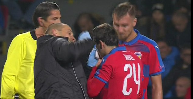 Dân mạng kêu gọi cấm Ramos thi đấu vì hành vi chơi xấu - Ảnh 2.