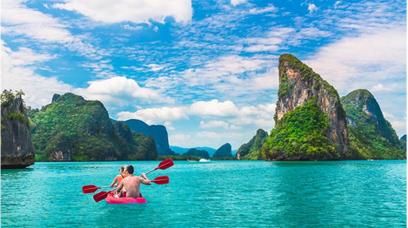 Các hoạt động vui chơi, giải trí đa dạng tại Phuket luôn thu hút du khách quốc tế (Ảnh minh hoạ: Internet)