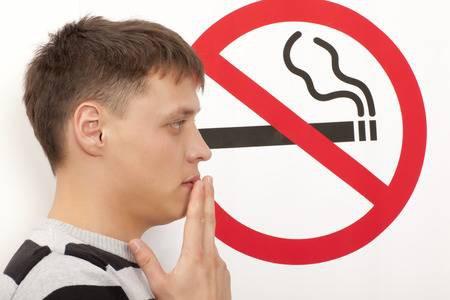 10 nguyên nhân khiến hơi thở của bạn bốc mùi - Ảnh 1.