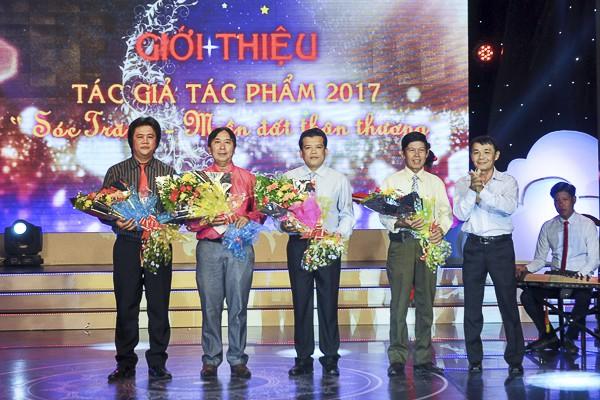 Bị xiết nợ, phó chủ tịch Hội Văn học nghệ thuật Sóc Trăng xin nghỉ việc - Ảnh 1.