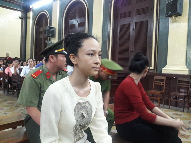 Trương Hồ Phương Nga từ chối nhận quyết định đình chỉ bị can - Ảnh 2.