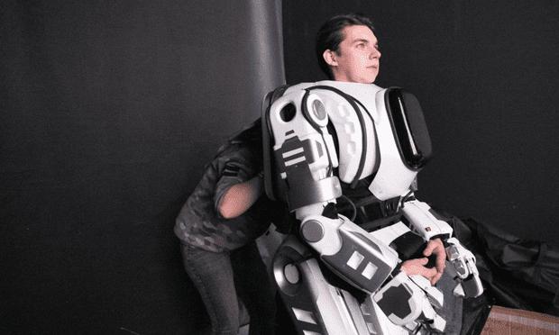 Cú lừa công nghệ hiện đại nhất ở Nga: robot có... người bên trong - Ảnh 2.