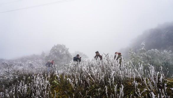 Không khí lạnh tràn về Bắc Bộ, có thể mưa tuyết ở vùng núi cao - Ảnh 1.