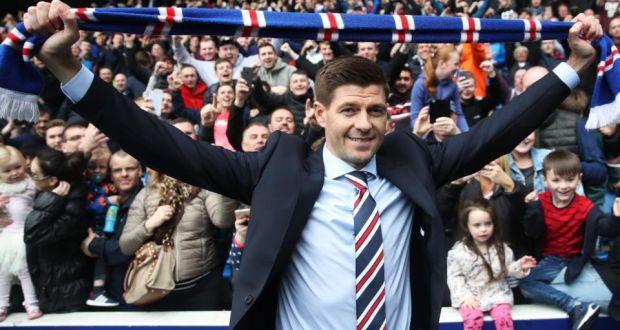 HLV Steven Gerrard trước trận đấu quyết định ngôi vô địch đầu tiên - Ảnh 1.