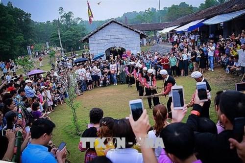 """500.000 du khách đến với """"ngôi nhà chung"""" của 54 dân tộc Việt Nam - Ảnh 1."""