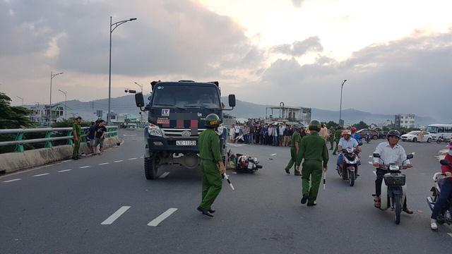 Lại tai nạn chết người trên cầu vượt ngã 3 Huế ở Đà Nẵng - Ảnh 1.