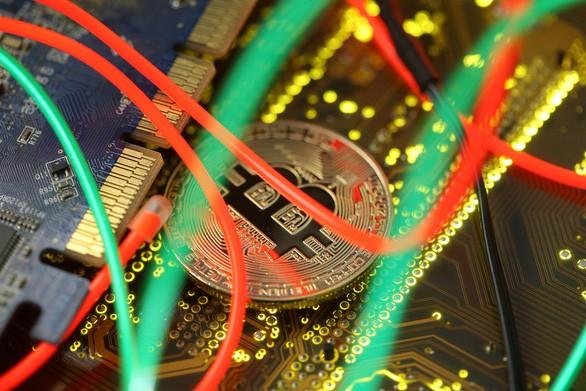 Bitcoin chưa thoát khỏi cơn bão giảm giá - Ảnh 1.