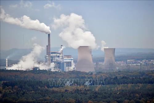 Lượng khí thải CO2 toàn cầu tăng kỷ lục - Ảnh 1.
