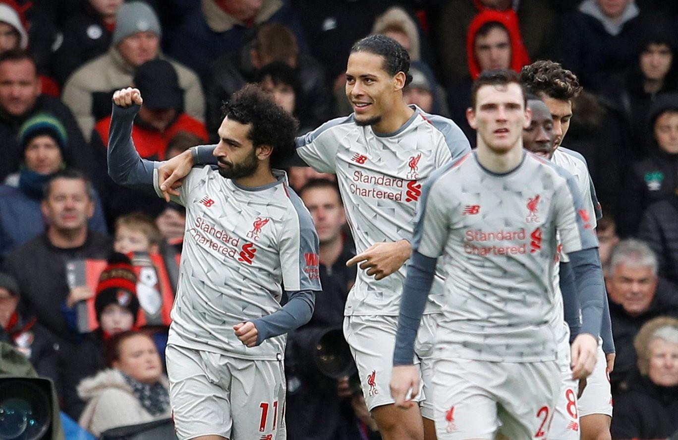Salah lập hat-trick, Liverpool tạm chiếm ngôi đầu bảng - Ảnh 3.