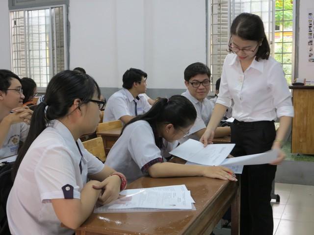 Nhận định sơ bộ đề tham khảo thi THPT quốc gia 2019 - Ảnh 1.