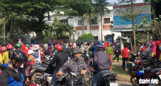Thủ tướng biểu dương việc tạm ứng tiền cho công nhân ở Đồng Nai - Ảnh 1.