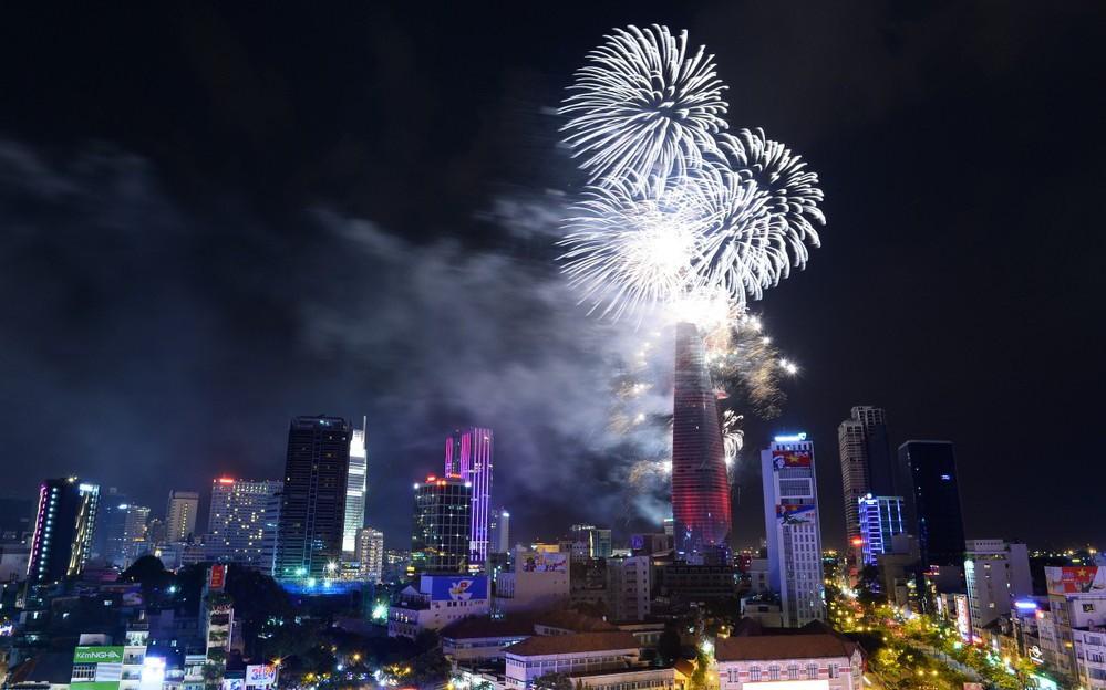 Bạn còn nhớ về pháo hoa ở Sài Gòn 20 năm qua?