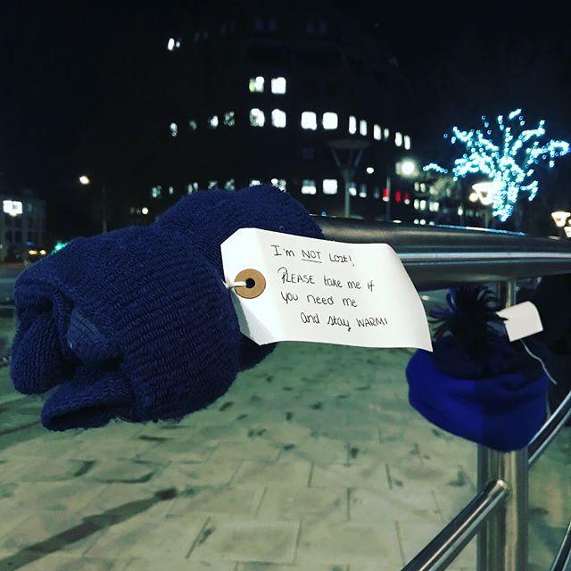 Người vô gia cư Anh ấm trong giá rét với tặng phẩm từ người lạ - Ảnh 1.