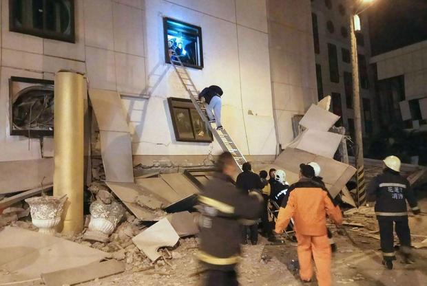 Động đất rung chuyển Đài Loan, 2 người chết, 200 người bị thương - Ảnh 3.