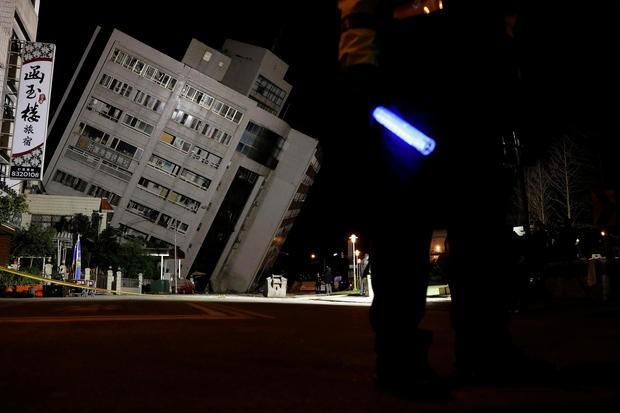 Động đất rung chuyển Đài Loan, 2 người chết, 200 người bị thương - Ảnh 4.