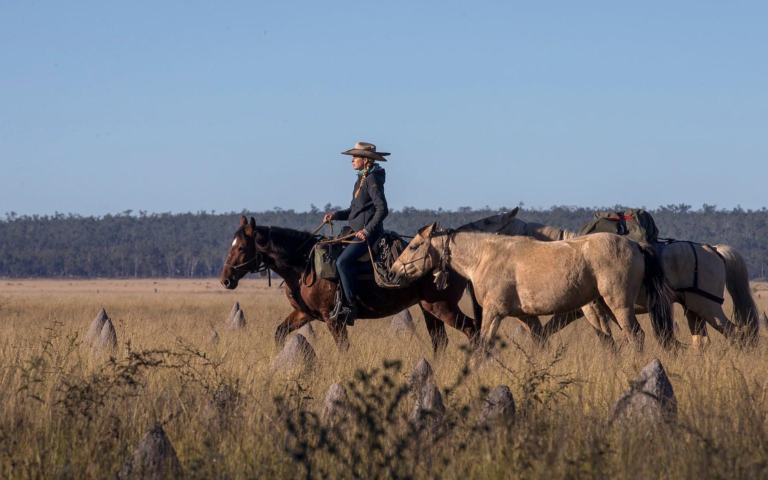Người phụ nữ chinh phục tuyến đường mòn dài nhất Úc