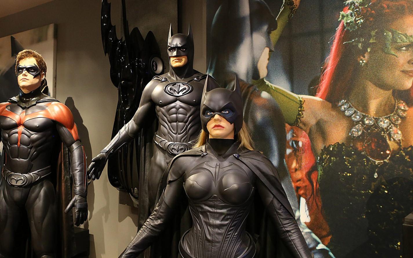 Thăm phim trường Hãng Warner Bros: khám phá 'bí mật' Hollywood