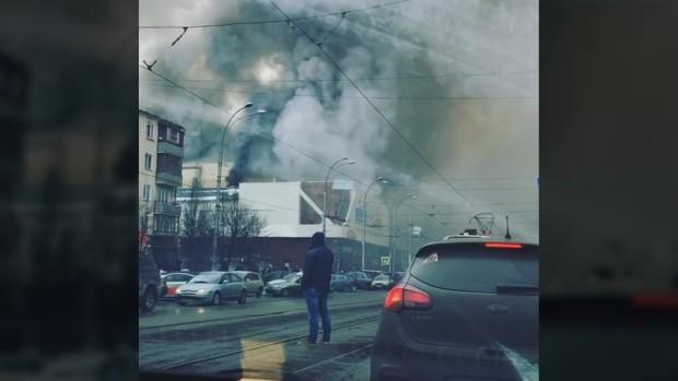 Cháy trung tâm mua sắm ở Nga, ít nhất 37 người chết - Ảnh 1.