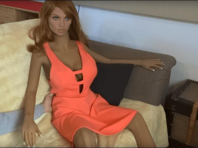 Đặt ra vấn đề hành xử nhân văn với robot tình dục - Ảnh 2.