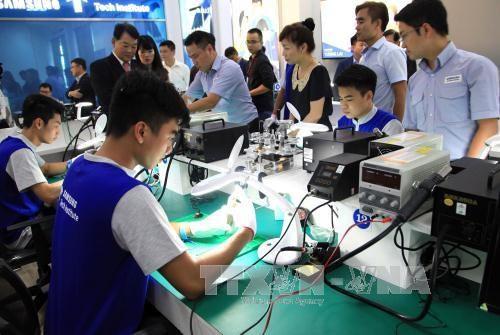 Bộ Công Thương và Samsung hợp tác đào tạo 200 chuyên gia tư vấn - Ảnh 2.