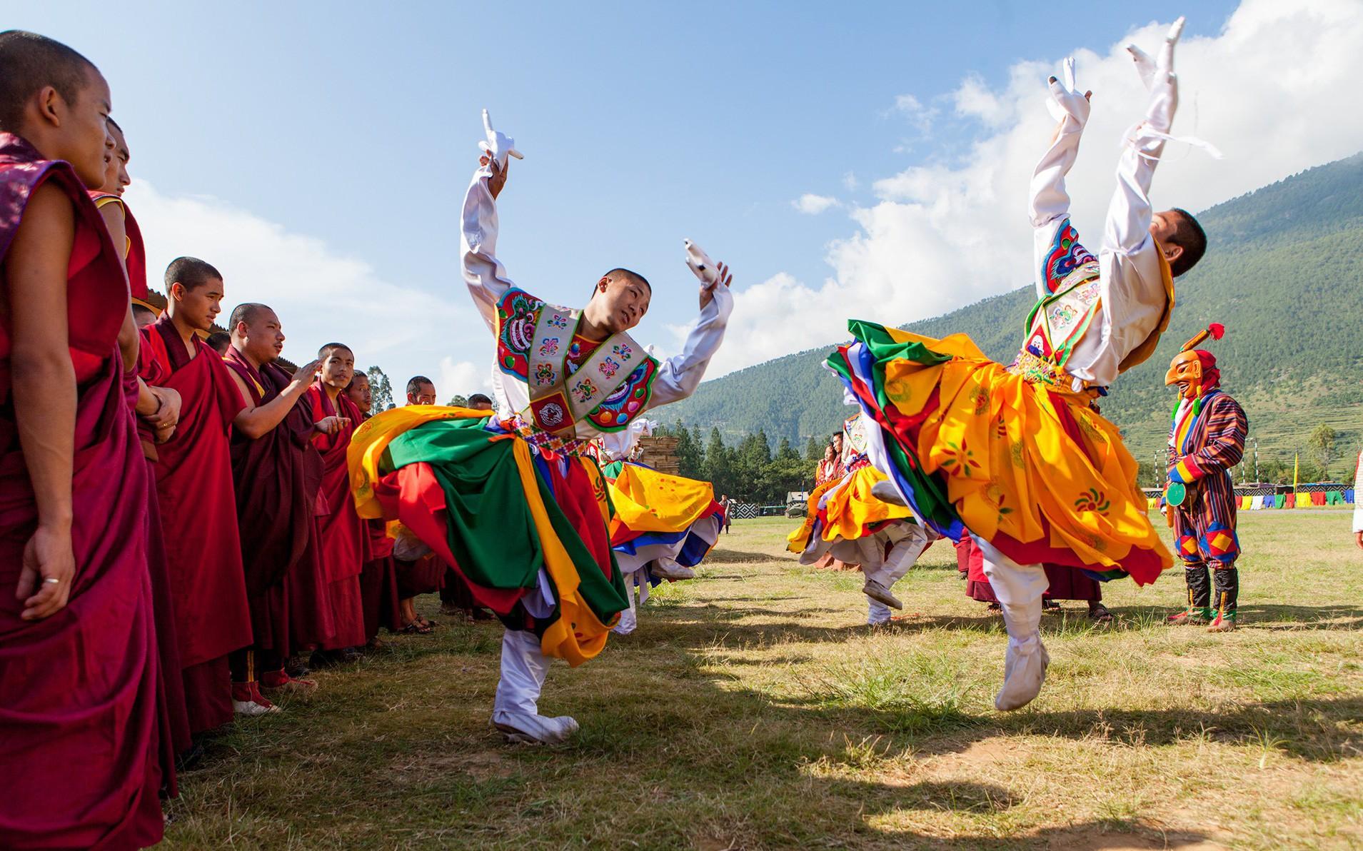 Bay thẳng đến đất nước hạnh phúc Bhutan