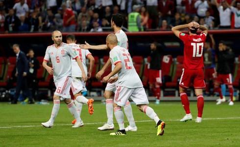 11 cầu thủ đều có quyền rời sân ăn mừng bàn thắng - Ảnh 1.